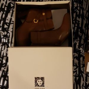Anne Klein pointed toe casual boots